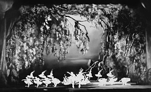 «Лебединое озеро». Сцена из балета