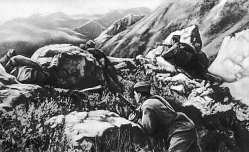 Автоматчики удерживают горный перевал на Кавказе