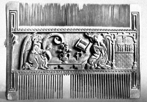 Костяной гребень с резным «Благовещением» (Испания)
