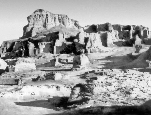 Эоловые формы рельефа (пустыня Деште-Лут, Иран)
